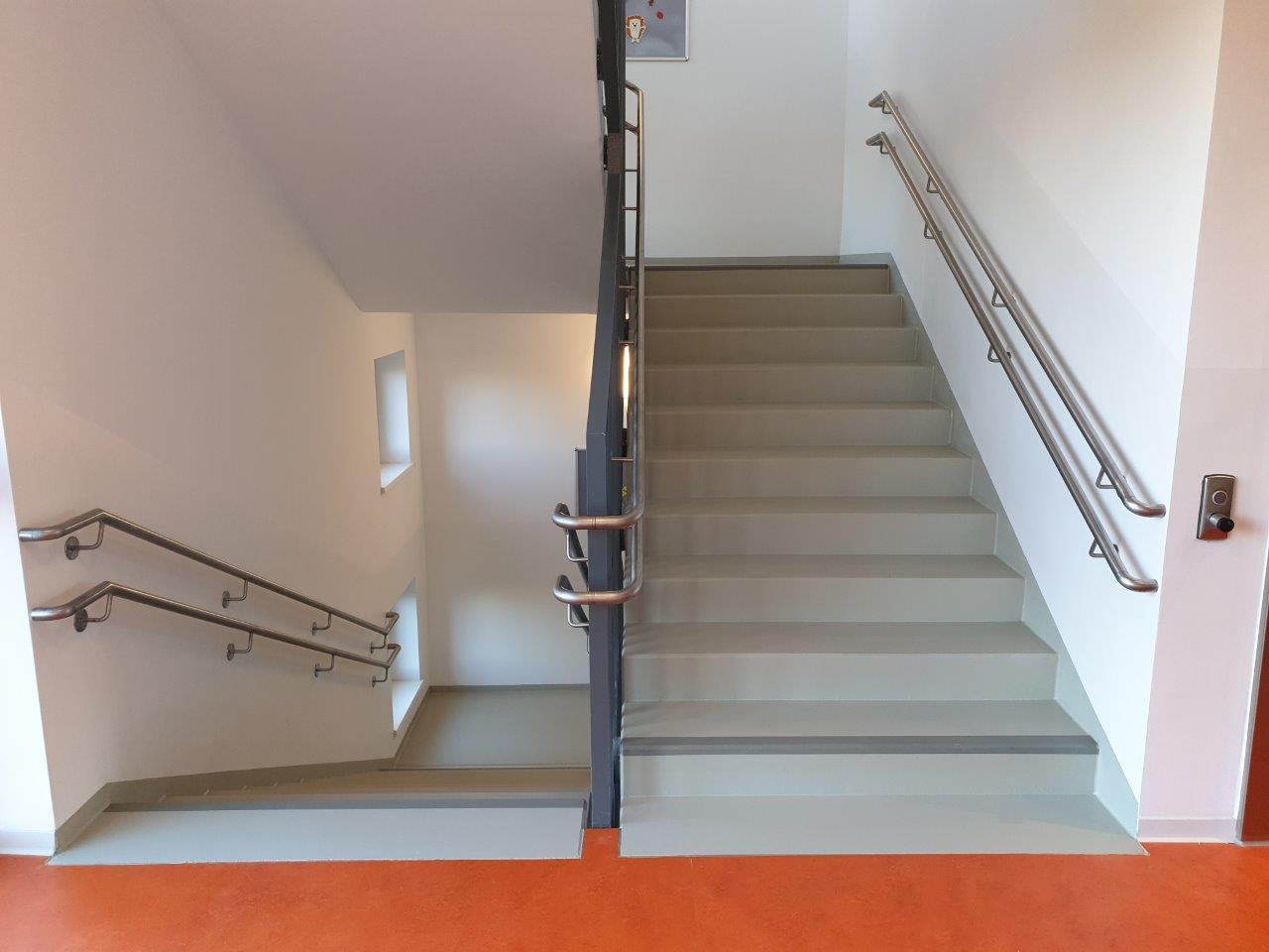Geländer mit Handlauf der Innentreppe, 1. OG